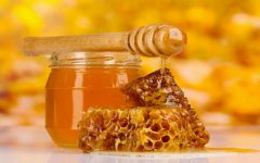 28 Proven Health Benefits of Honey