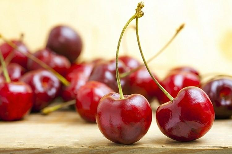 16 Proven Health Benefits of Cherry